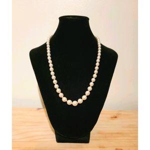 Vendrome Vintage Faix Pearl Necklace